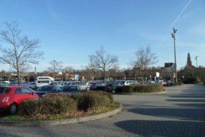 Großparkplatz als möglicher Standort für Handballhalle